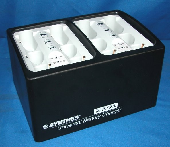 synthes universal battery charger. Black Bedroom Furniture Sets. Home Design Ideas